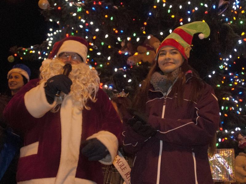 Christmas comes to Eagle River  The Alaska Star